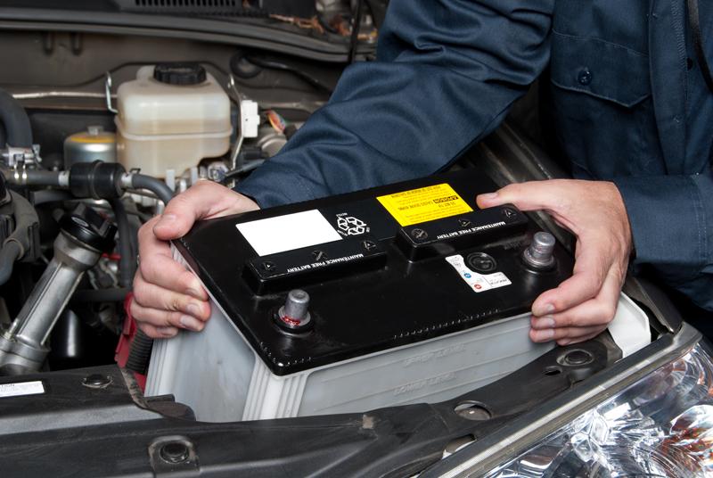 cum-schimbam-o-baterie-auto